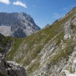 Der Weg über den Schafsteig führt nach Westen Richtung Riffelscharte