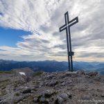 Gipfelkreuz am Hohen Grimming (2351 m)