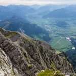 Blick ins Ennstal beim Abstieg vom 2351 m hohen Grimming