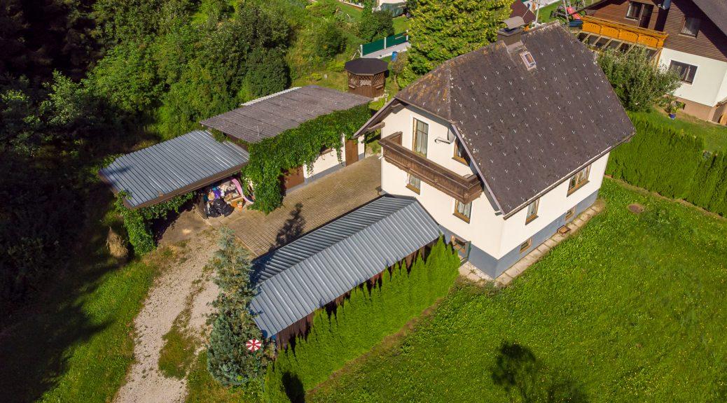 Luftbildaufnahme der Liegenschaft, Blickrichtung Westen